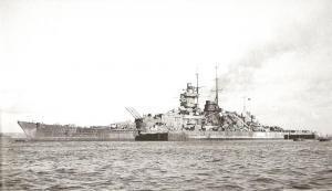 f_757786Gneisenau_Brest_avril_1941