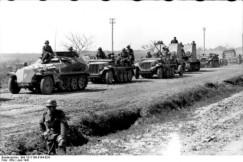 UUU_Bundesarchiv_Bild_101I-186-0184-02A_Russland_motorisierte_Truppen_beim_Marsch-595x398 - Copy - Copy